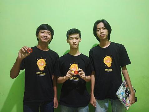 Juara Terinovatif Ajang InaRISK Hackathon Fest 2021: Mahasiswa Teknik Elektro ITERA Ciptakan Gelang Tanggap Bencana Bagi Penyandang Disabilitas